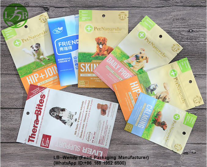 Different size pets food pouch
